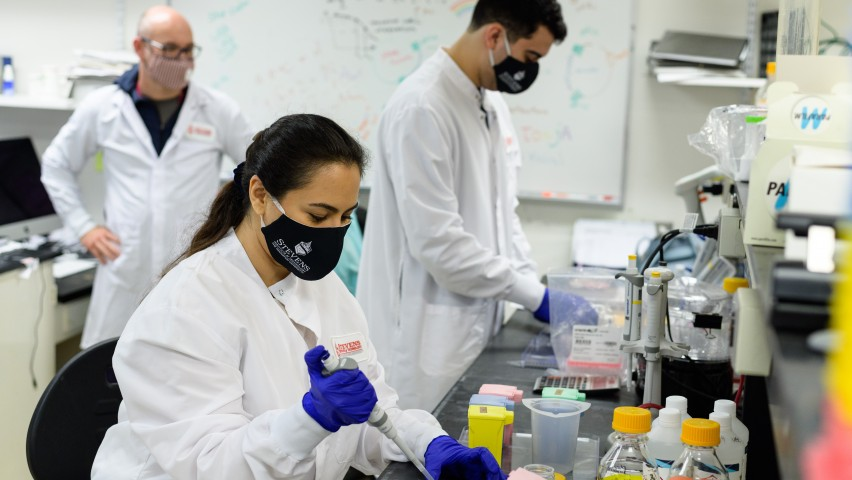 photo of Stevens researchers in a lab