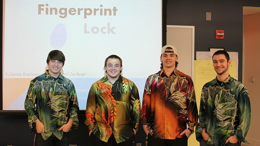 Students on Fingerprint Lock present during class.