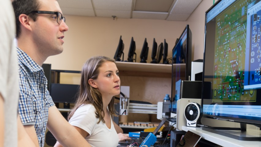 Students working together in a computer lab