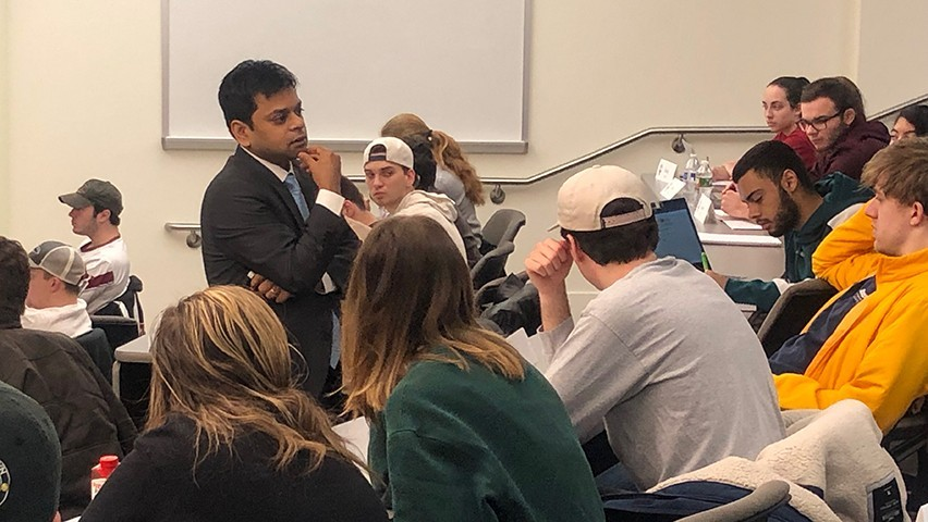Dr. Pranav Garg leads a classroom discussion with undergraduate students.