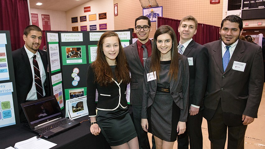 At the Innovation Expo, students from the Monmouth Medical Center team explained how it achieved a high response rate to its survey.