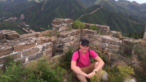 student visiting the great wall of china