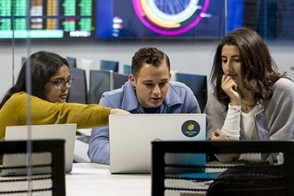 Students collaborate on a data-intensive project in the Hanlon Lab.