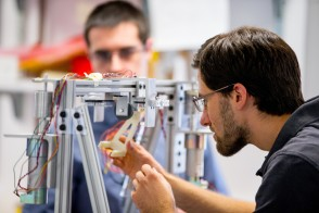 students working in mechanical engineering